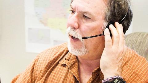 Crisis Hotline: Veterans Press 1 (HBO)